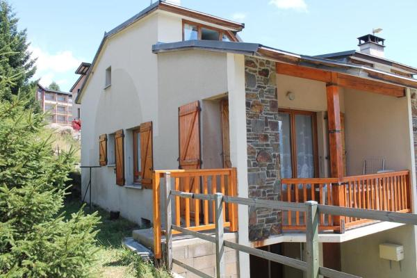 Hotel Pictures: Chalet Rue du Canigou, Font-Romeu