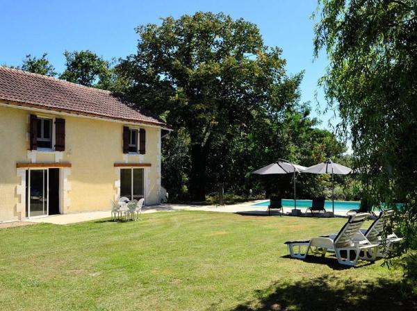 Hotel Pictures: Holiday home Le Grand Bost, Servanches