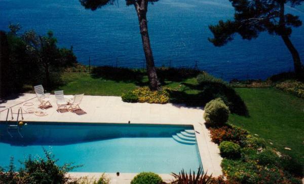 Hotel Pictures: Villa Chemin du Fort Sainte-Marguerite, La Garde