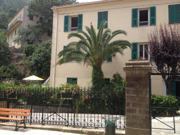 Hotel Pictures: Apartment Place de la Mairie 2, Venaco