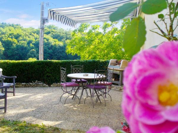 Hotel Pictures: Holiday Home Le Queylou, Les Eyzies-de-Tayac