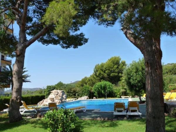 Hotel Pictures: Holiday home Carrer Miguel de Cervantes, Portals Nous