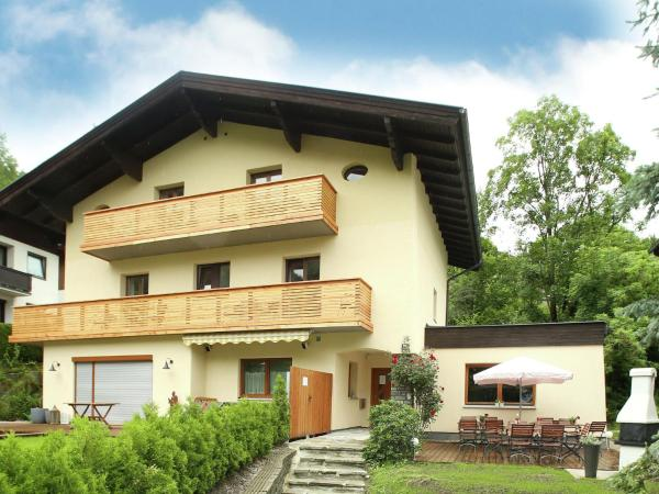 Hotel Pictures: Chalet Zell am See, Zell am See