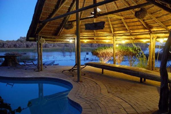 Hotel Pictures: Okavango River Lodge, Maun