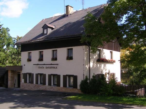 Hotel Pictures: Chata Barborka, Loučná pod Klínovcem