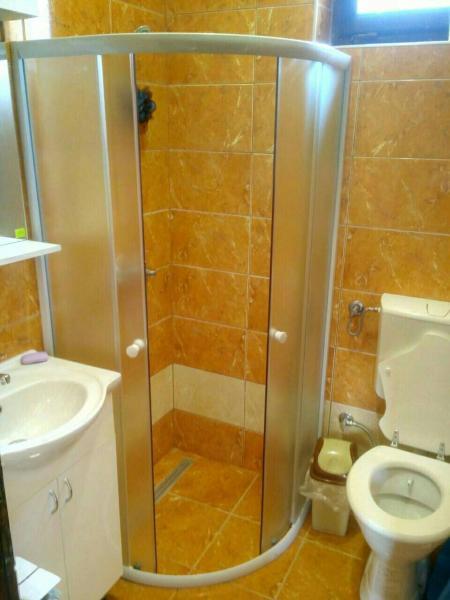 Hotellikuvia: Vrelo Bosne Ilidza House, Vruci