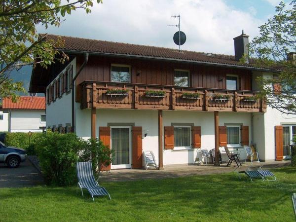 Hotelbilleder: Ferienwohnung Schlossberghof Marzoll, Bad Reichenhall