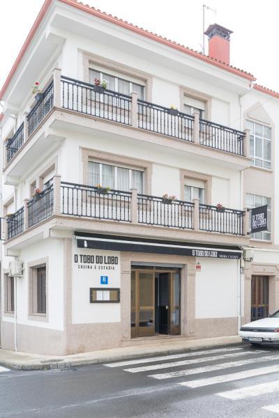 Hotel Pictures: O Tobo do Lobo, Melide