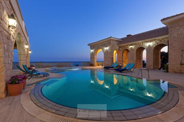 Hotel Pictures: Villa 490420, Larnaka