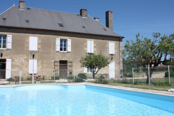 Hotel Pictures: Château Latour, Fours