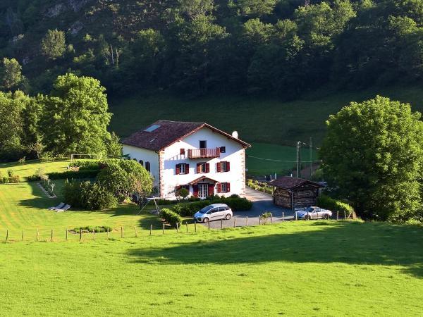 Hotel Pictures: Maison Aguerria, Aldudes