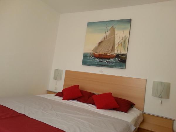 Hotel Pictures: Apartments Ostarijska, Biograd na Moru
