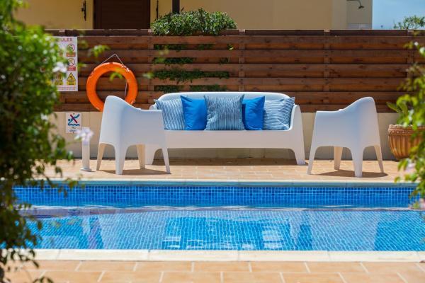 Hotel Pictures: Villa Sunny Days, Ayia Napa
