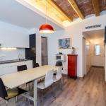 Central 3 Bedroom Apartment in Barcelona,  Barcelona