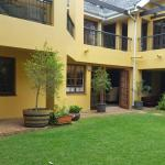 Almost Africa Accommodat,  Bedfordview