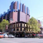 Paramount Apartments Melbourne, Melbourne