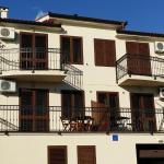 Apartment familie, Prizna