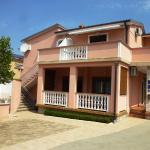 Apartments Pjer,  Starigrad-Paklenica