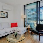 Melbourne Modern Three Bedroom Apartment (2801SUTH), Melbourne
