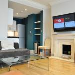 Generously Proportioned 2 Bed Flat in Earls Court, Londres