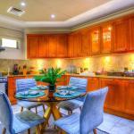 Short Booking - Four Bedrooms Silver Beach, Frond E, Palm Jumeirah, Dubai