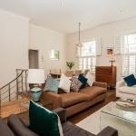 Gorgeous 3-Bed 2-Bath in Fantastic Location,  London