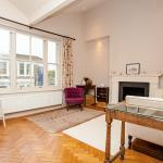 Beautiful 1BD flat in Fulham with Roof Terrace, London