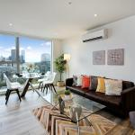 Melbourne Modern Two Bedroom Apartment (3104COL), Melbourne