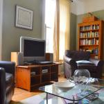 Charming 2-Bedroom Flat with Roof Terrace - Camden, London