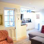 Light, Bright Ground Floor Apartment With Garden, London