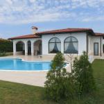 BlackSeaRama Private Villa 101, Balchik