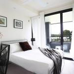 Brand new apartment with water views near Sydney Airpor, Sydney