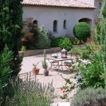 Hotel Pictures: Le Clos de la Chèvre Sud, La Cadière-d'Azur