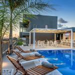 Vips Villas Suites,  Anissaras