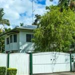 The Harvester Home & Annex sleeps up to 15 persons, Cairns