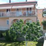 Apartments Marin, Senj