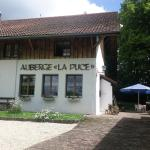 Hotel Pictures: Auberge La Puce, La Ferrière