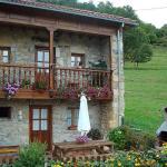 Hotel Pictures: Casa de Aldea El Sebargu, Taranes