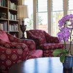 Oak Bay Guest House Bed And Breakfast, Victoria