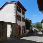 Hotel Pictures: Gite Azkorria, Saint-Jean-Pied-de-Port