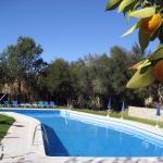 Hotel Pictures: Cortijo Huerta Dorotea, Prado del Rey
