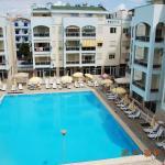 Arbi's Pool View Apartment, Голем