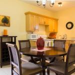 Centrally located 2 bedroom apartment w/ pool,  Kingston