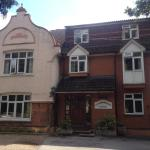 Gainsborough Lodge, Horley