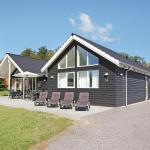 Seven-Bedroom Holiday home Tranekær with a room Hot Tub 03, Hou