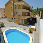 Two-Bedroom Apartment with Sea View in Makarska, Makarska
