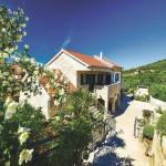 Four-Bedroom Holiday home with Sea View in Sibenik, Šibenik