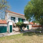 Two-Bedroom Holiday Home in Dubrava, Dubrava