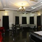 Midway Hotel & Restaurant,  Sadiqabad