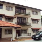 Abang Adik Service Suite, Melaka